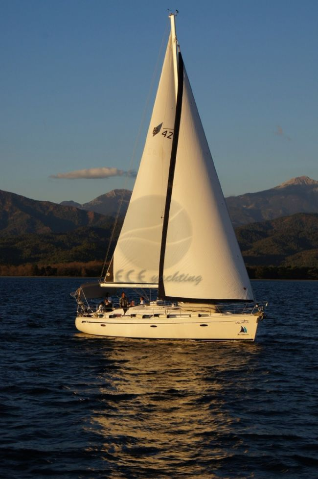 BAVARIA 42 CRUISER Teknesi