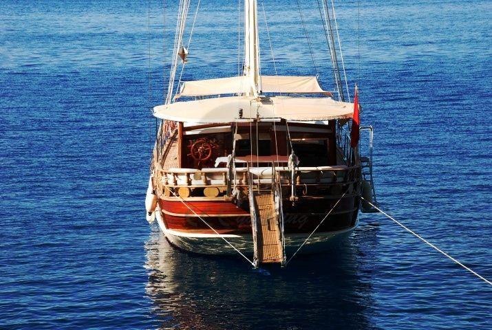 BE HAPPY Teknesi