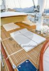 Wicked Felina Yacht, Sun Beds.